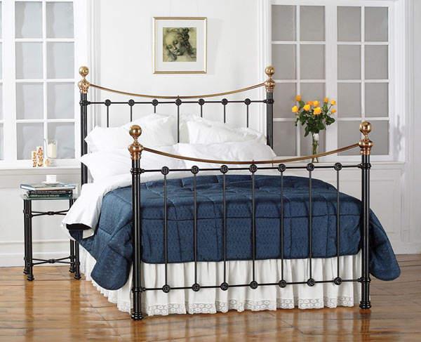 Как правильно спланировать спальню: Кровать