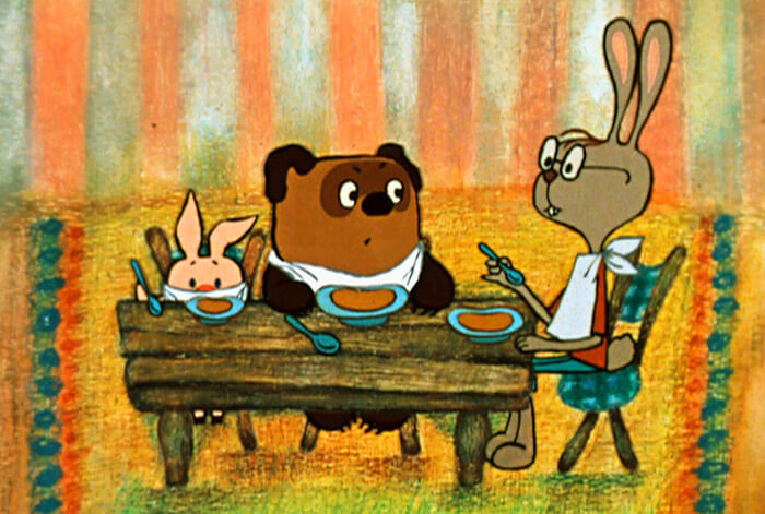 Пятачок и Винни-Пух в гостях у Кролика («Винни-Пух идет в гости»)