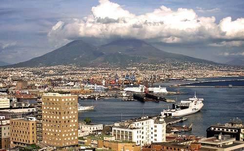 Страна матрасов: Италия (Неаполь, Везувий)