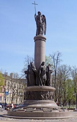 Страна матрасов Вегас: Беларусь, Памятник Тысячелетия Бреста