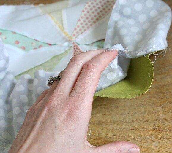 Как сделать круглую подушку