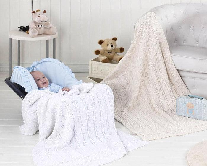 Такие пледы можно использовать как покрывало на кровать ребенка, постелить на пол для игр или укрывать малыша по время дневного