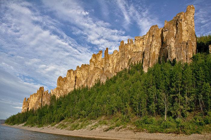 12 самых красивых мест России: Ленские столбы