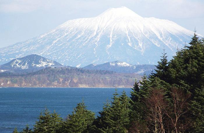 12 самых красивых мест России: Вулкан Тятя