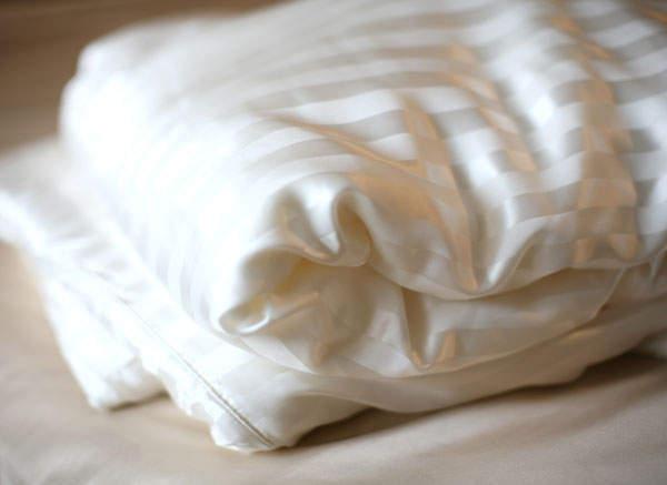 Одеяло в шелковом чехле (Шелковый Соблазн)